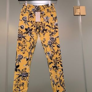 *NWT* yoga pants Alala Yellow w/cheetahs XS